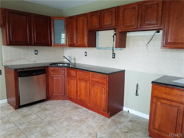 850 Home St #2E, Bronx, NY 10459