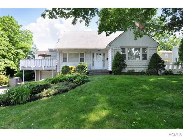 6 Club Way, Eastchester, NY 10709