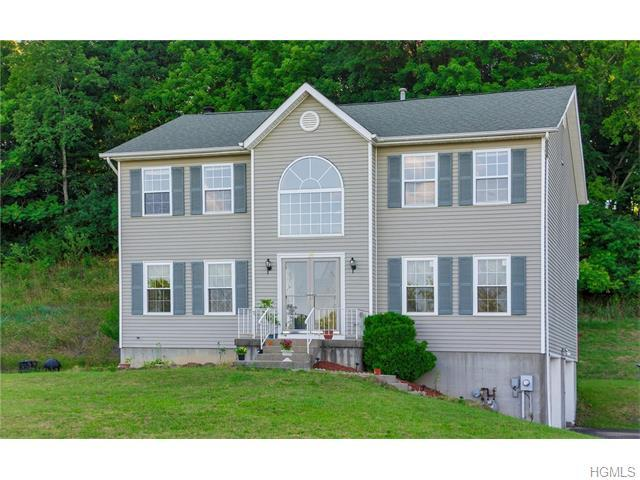 21 Anna Ct, Middletown, NY 10941