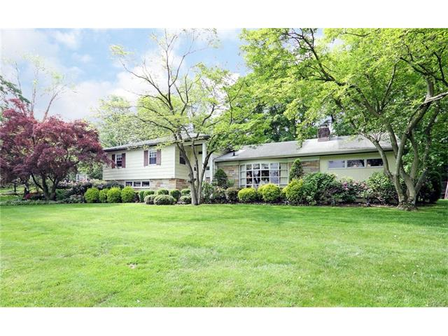 30 Colonial Road, White Plains, NY 10605