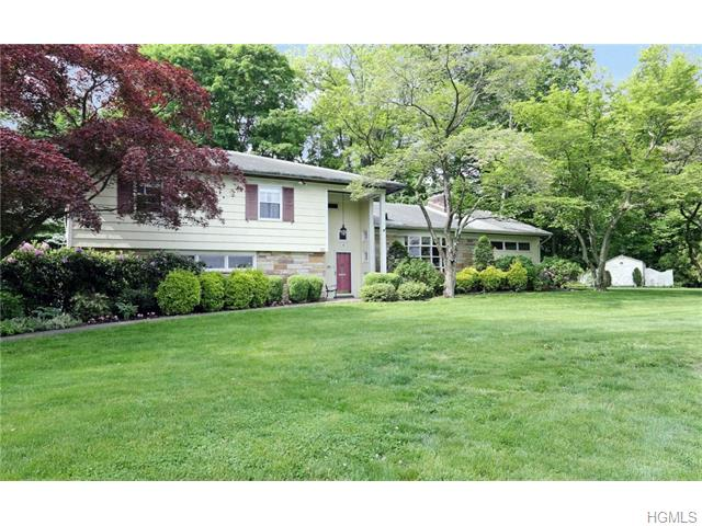 30 Colonial Rd, White Plains, NY 10605