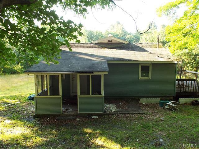 32 Old Greenville Tpke, Port Jervis, NY 12771