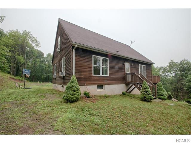 1521 Mountain Rd, Middletown, NY 10940