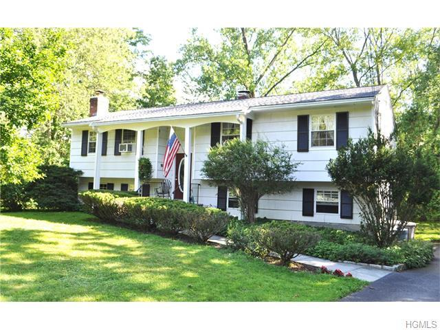 2743 Moreland St, Yorktown Heights, NY 10598