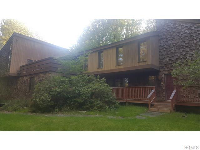 32 Stacey Dr, Monticello, NY 12701