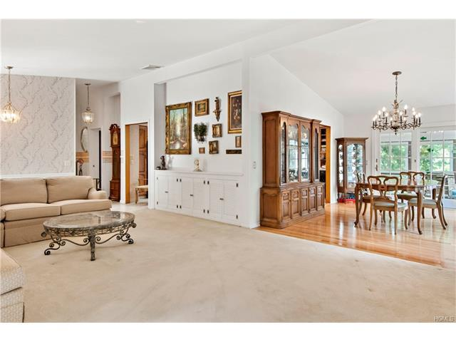 81 High Ridge Rd, Pound Ridge, NY 10576