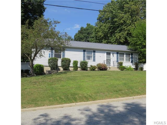 20 Barclay Rd, New Windsor, NY 12553
