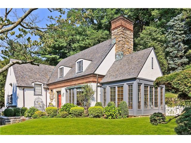 22 Taunton Rd, Scarsdale, NY 10583