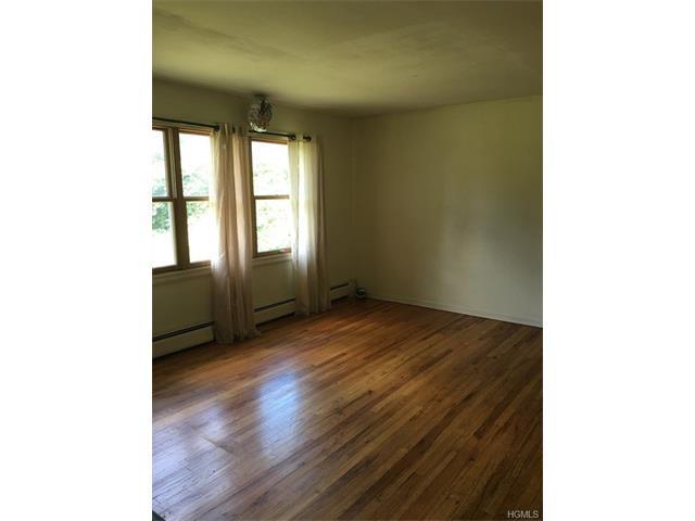 19 Birchwood Ave, Nanuet, NY 10954