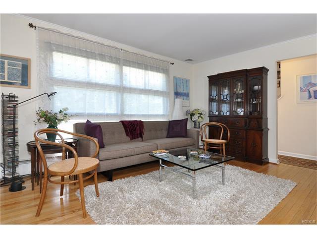 28 Larchmont Street, Ardsley, NY 10502