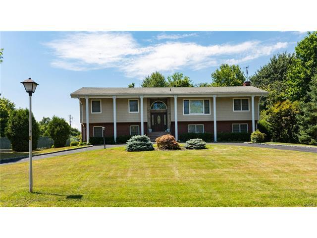 98 Eastview Dr, Valhalla, NY 10595