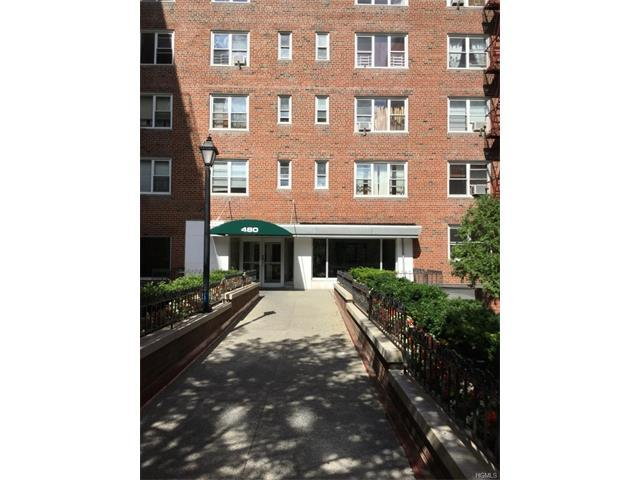 480 Riverdale Ave #4N, Yonkers, NY 10705