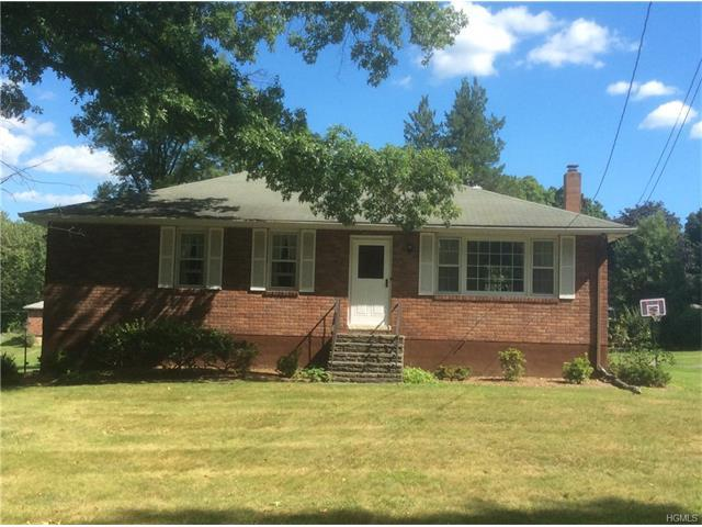 9 Lannis Ave, New Windsor, NY 12553