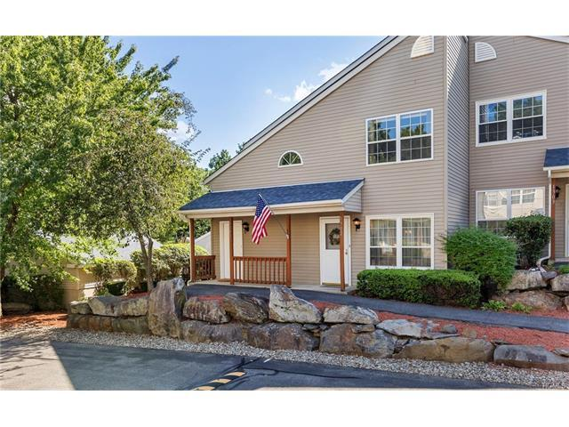 1302 Evergreen Ct, Highland Mills, NY 10930