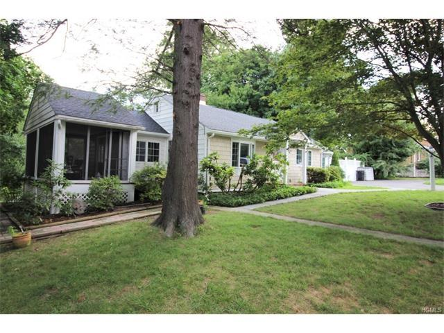 2837 Hickory St, Yorktown Heights, NY 10598