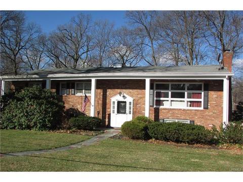 140 Dogwood Ln, Newburgh, NY 12550