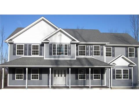 25 Winding Ln, Central Valley, NY 10917