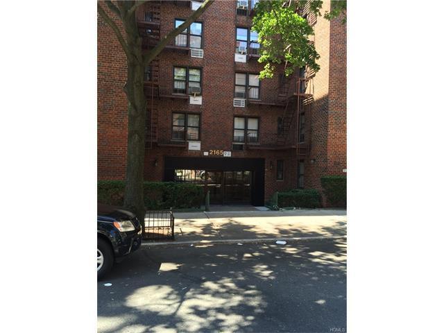 2165 Matthews Ave #1F, Bronx, NY 10462