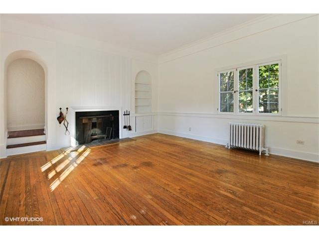 94 Carleon Avenue, Larchmont, NY 10538