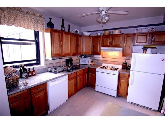 575 Bronx River Rd #7E, Yonkers, NY 10704