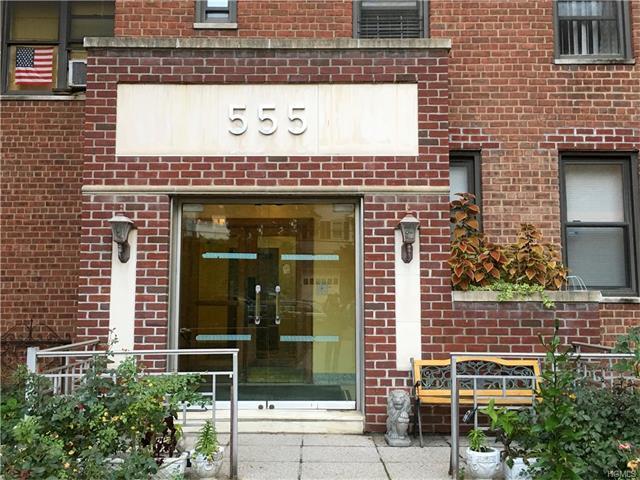 555 Mclean Avenue #5 C, Yonkers, NY 10705