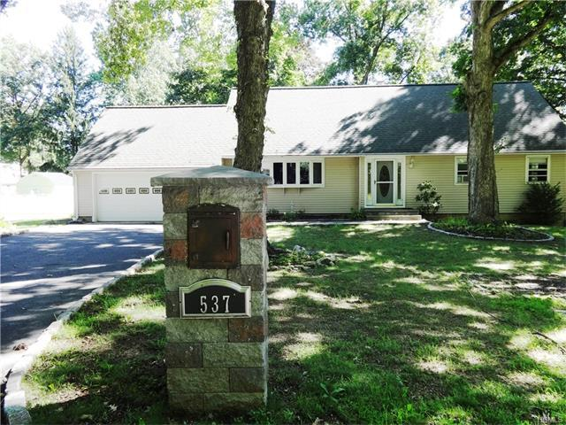 537 Louella Rd, Yorktown Heights, NY 10598