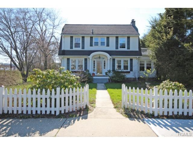 36 Great Oak Ln, Pleasantville, NY 10570