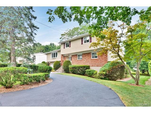 124 Parkview Rd, Elmsford, NY 10523