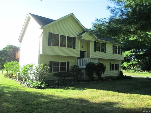 59 Gillespie St, Pine Bush, NY 12566