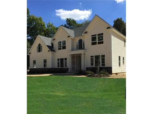 10 Biltmore Dr, Hopewell Junction, NY 12533