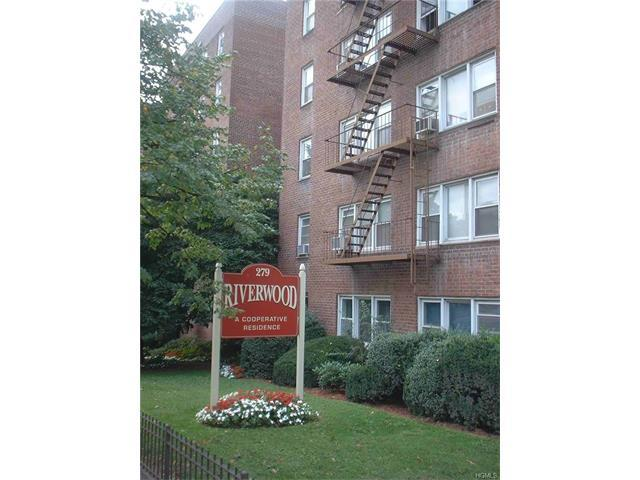 279 N Broadway #4T, Yonkers, NY 10701