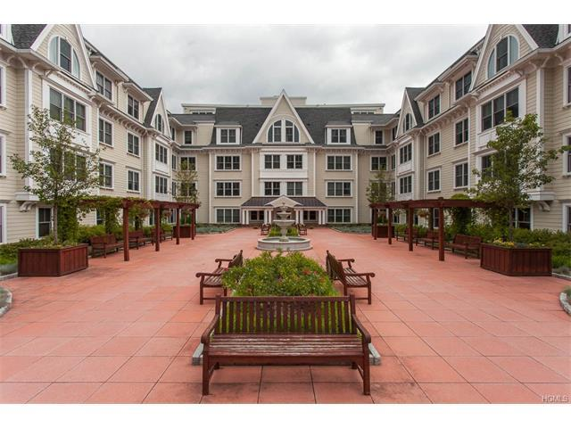 225 Stanley Ave #101, Mamaroneck, NY 10543
