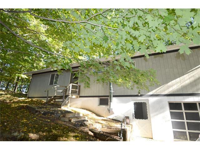 106 Dugway Dr, Dover, NY 12564