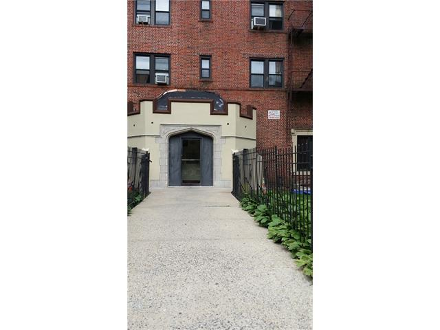 590 E 3rd St #2M, Mount Vernon, NY 10553