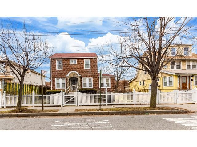 137-15 Bedell St, Queens, NY 11413