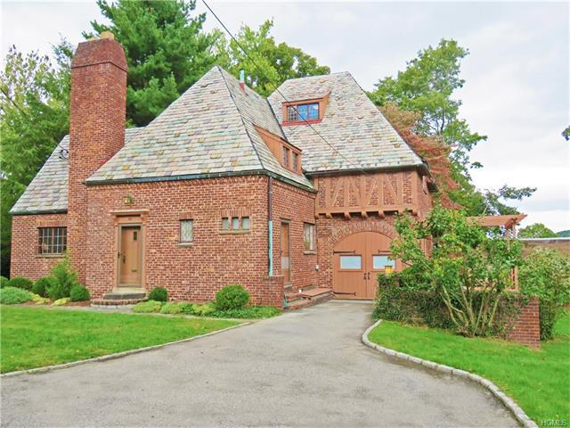 59 Burnside Dr, Greenburgh, NY 10706