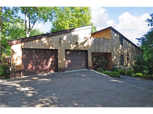 6 Hall Pl, Greenburgh, NY 10706