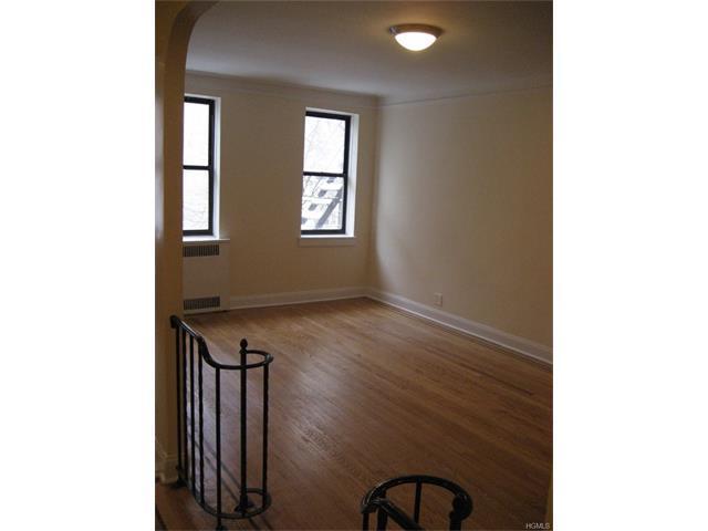 2506 Davidson Ave #3B, Bronx, NY 10468