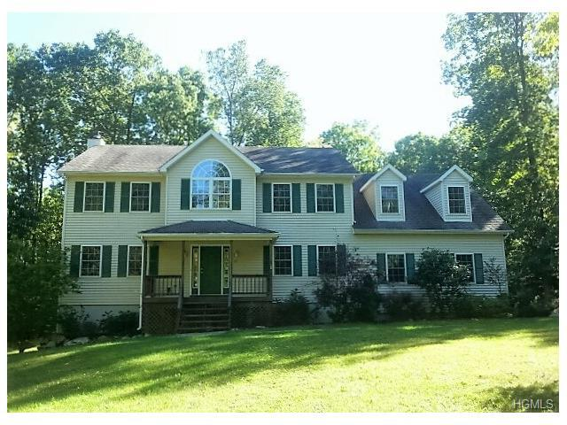 25 Castle High Rd, Middletown, NY 10940