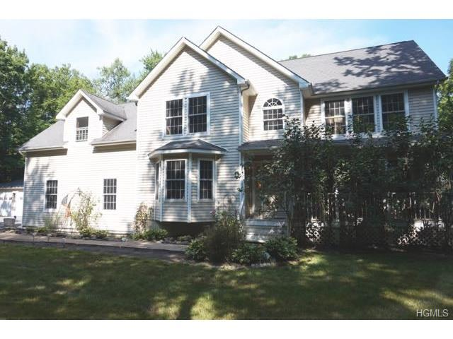 73 Toad Pasture Rd, Westtown, NY 10998