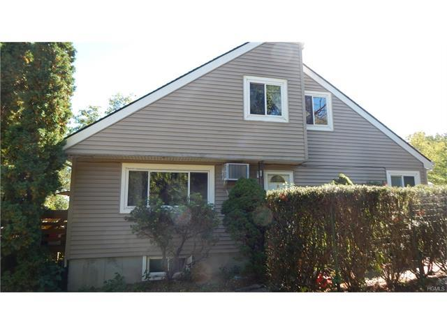 16 Wolfe Dr, Spring Valley, NY 10977