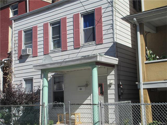 14 Rockland St, Haverstraw, NY 10927