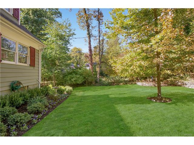 27 E Whippoorwill Road, North Castle, NY 10504