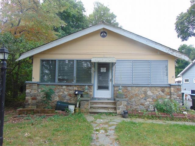 3 Chestnut St, Greenwood Lake, NY 10925