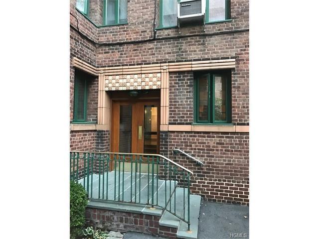 1503 Metropolitan Ave #2D, Bronx, NY 10462
