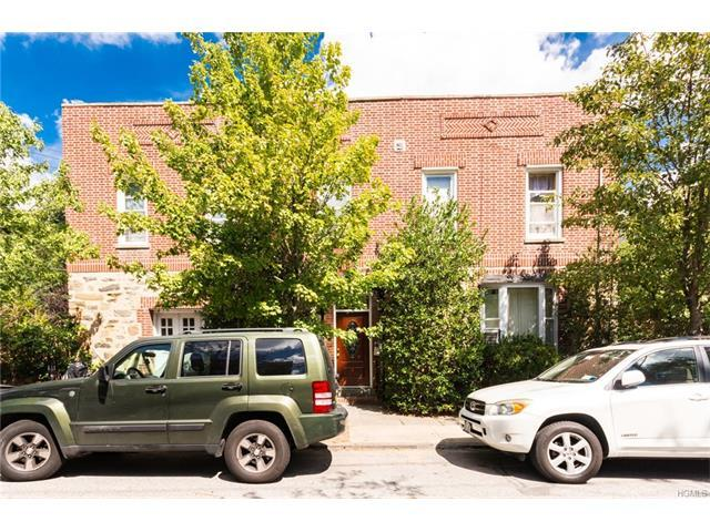 205 E 239th St, Bronx, NY 10470