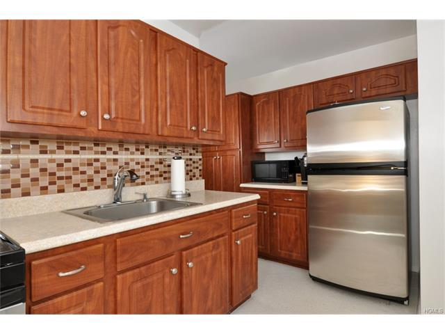 245 Rumsey Rd #5K, Yonkers, NY 10701