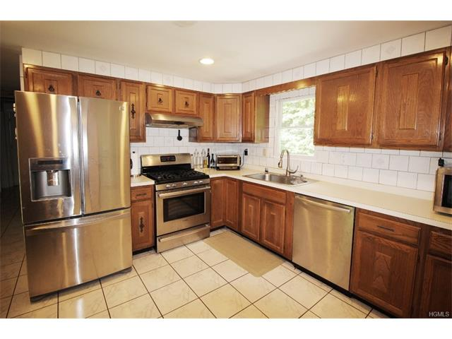 25 Clifton Court, Patterson, NY 12563