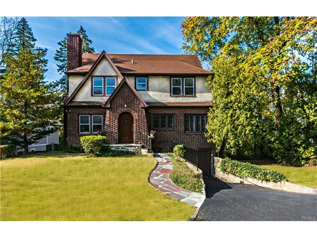 23 Maple St, Greenburgh, NY 10530