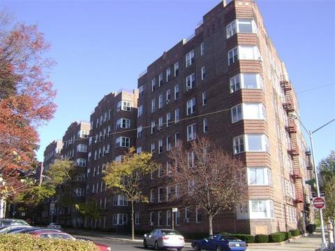 601 N Pelham Pkwy #M-01, Bronx, NY 10467